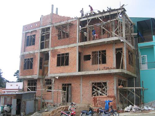 Sửa nhà cuối năm: Chủ phải lụy thợ