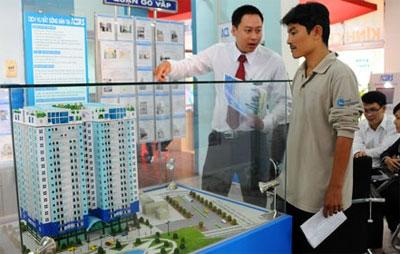 Chuyển nhượng BĐS: Sẽ tính thuế 2% trên giá trị hợp đồng