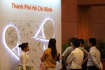 Đem Sài Gòn ra Hà Nội