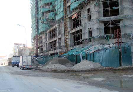 Công trình xây dựng: Thủ phạm gây bụi bẩn, mất an toàn