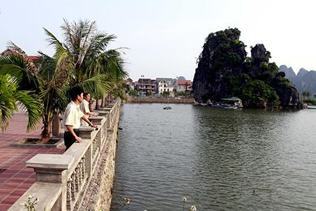 Hồ sinh thái Hòn Một biến thành khu giải trí?