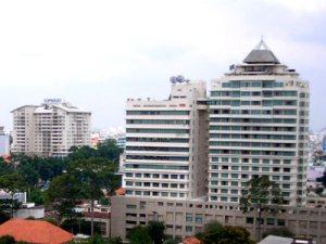 Thị trường văn phòng: Nam Bắc trái chiều