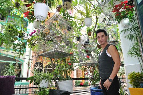 Thăm biệt thự tràn sắc xanh của ca sĩ Nguyễn Hưng
