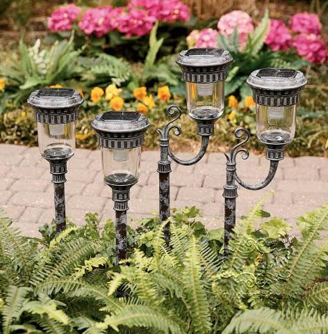 Sân vườn đẹp hơn với đèn trang trí