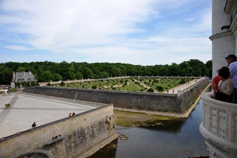 Chenonceau: Lâu đài trên sông của các quý bà