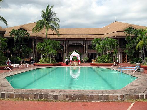 Tham quan cung điện dừa tại Philippines
