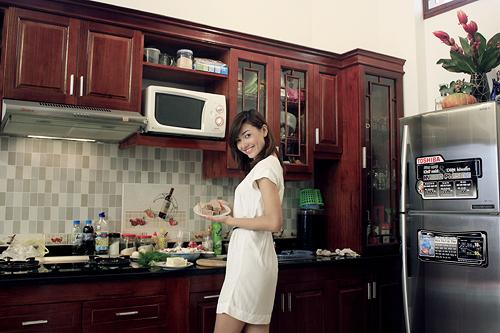 Ghé nhà siêu mẫu 9x Hồng Quế
