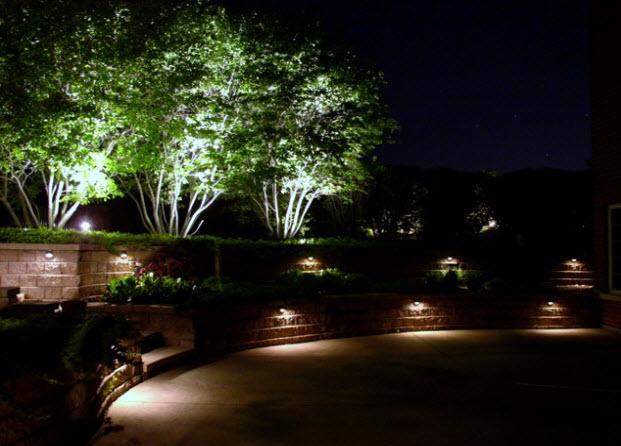 Không gian ngoại thất hoàn hảo với đèn chiếu sáng
