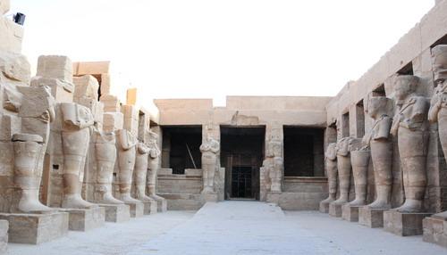 Karnak - Ngôi đền thiêng của Ai Cập