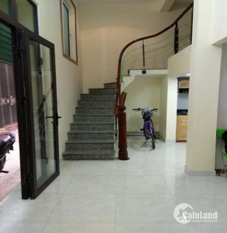 Bán nhà phố Hoàng Hoa Thám,Ba Đình DT 30m x 4tầng , 4.4 tỷ , ô tô