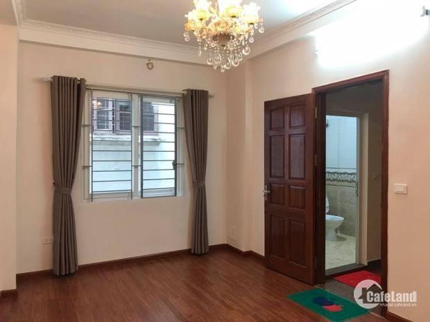 Bán nhà đẹp, chắc chắn Thái Thịnh: 34x 5 tầng. Mặt tiền 4m. Giá 3.9tỷ.