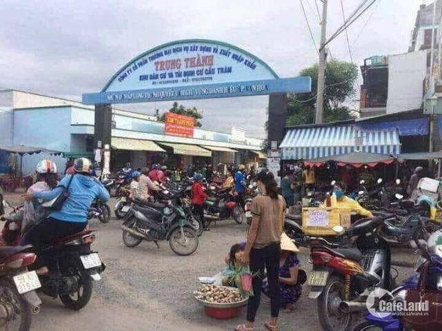 Nhà 1 trêt 1 lầu sau chợ Bình Chánh Đường Đinh Đức THiên Huyện Cần Đước - Long An