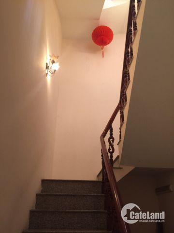 Nhà 2 lầu 1 trệt,sàn 240m2, hẻm XH RỘNG,ngay Hoa Lư, Q9