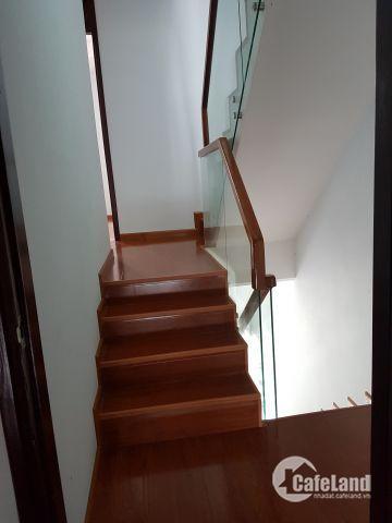 Cần tiền gấp nên muốn ra đi căn nhà hai mê rưỡi với giá rẻ nhất