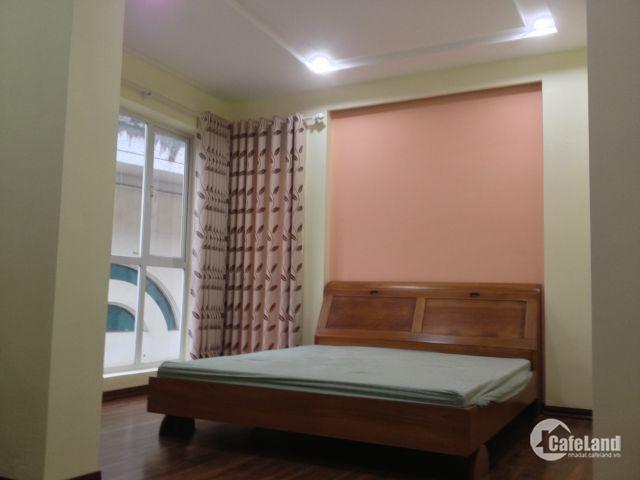 Cho thuê nhà nguyên căn mặt ngõ phố Hoa Lư, thích hợp cho người nước ngoài thuê. Giá 19 tr/tháng