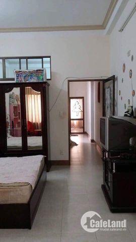 Cho thuê nhà 3 tầng kiệt oto rộng 368 Hoàng Diệu.