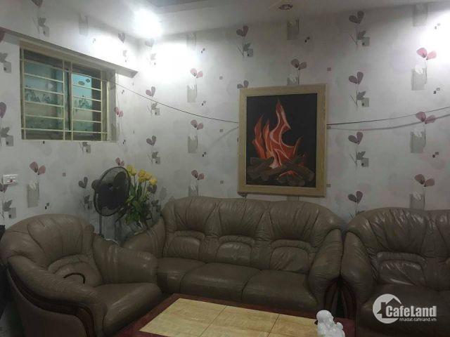 Cho thuê căn hộ KĐT Việt Hưng, 85m2, 3PN giá 6tr. LH 0967341626
