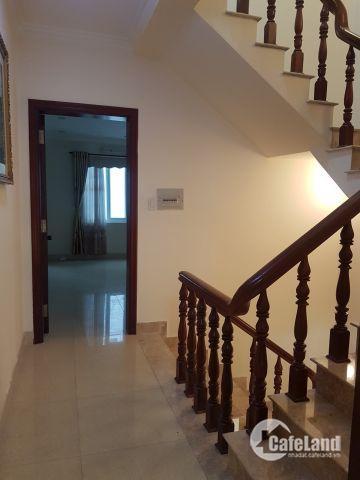 thuê nhà phố mặt tiền đường lớn Phú Mỹ Hưng Quận 7 giá rẻ .