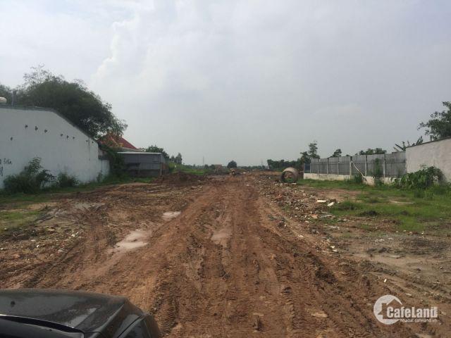 Mở bán lô đất gần cầu Tham Lương - quận Tân Bình . Được ôm trọn 3 mặt tiền đường nhựa