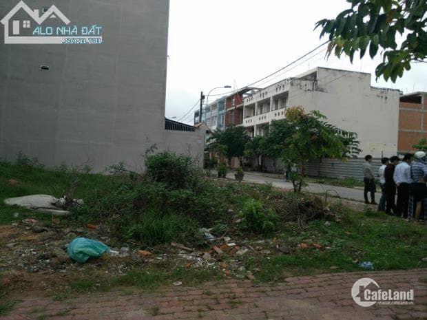 Cần ban lô đất mặt tiền giá 900 triệu ở Làng Tăng Phú quận 9, xây dựng tự do