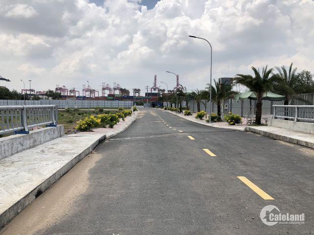 Chính chủ cần bán gấp lô đất 300m2 đã có sổ , gần vòng xoay Phú Hữu, chỉ 23tr/m2.