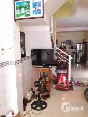 Chính chủ bán nhà Lê Quang Định, 48m2, 2 tầng, hẻm đẹp, giá 4,35 tỷ.