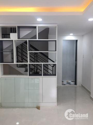 Xuất cảnh bán gấp nhà hẻm đường Nguyễn Thượng Hiền, Q.BT, DT 4m x 10,3m, NH 5,6m, giá 5.3 tỷ