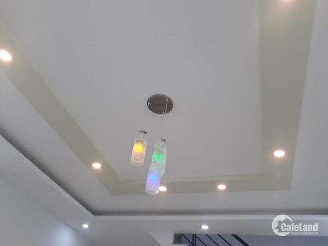 Bán nhà Tôn Thất Tùng, lô góc, 2 mặt thoáng, 33m2, 4T, 2.6 tỷ