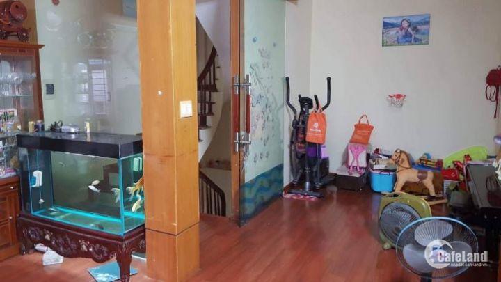 Đầu tháng bán ngay Nguyễn Phúc Lai 5 tầng, MT 5m, 39m2 hiếm đẹp chưa đến 4 tỷ