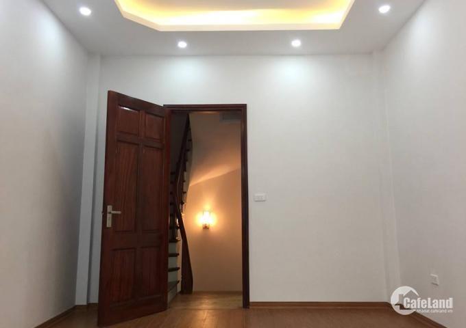Bán nhà riêng phố LÁNG đẹp 42m2,mặt tiền 4m, giá 4,5 tỉ.