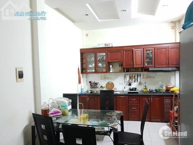 Gia đình cần bán căn nhà Giá Tốt  tại phố Hào Nam, 34m2 x 4T, mặt tiền 3,4m