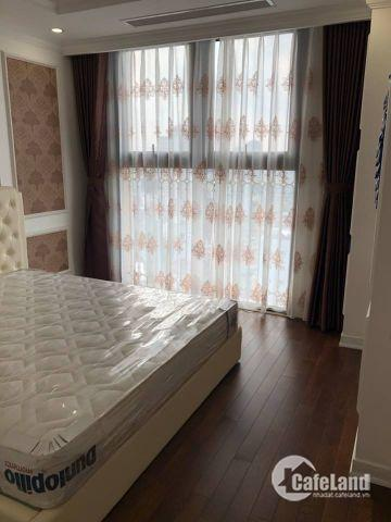 Chủ nhà muốn bán chung cư ở Chung cư cao cấp 36 Hoàng Cầu 105m2 6.1 tỷ