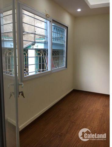 Nhà riêng Trường Chinh, 50m ra mặt phố giá chỉ 2.3 tỷ.