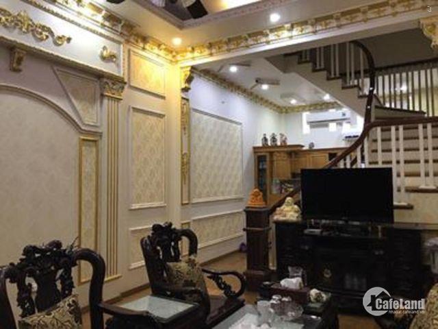Bán nhà mặt Ngõ Thái Thịnh 42m2 ô tô qua nhà giá 4.3 tỷ