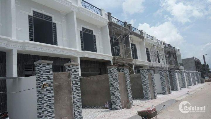 Cần bán gấp dãy nhà phố mỗi căn 90m2, 900tr, sang tên công chứng ngay