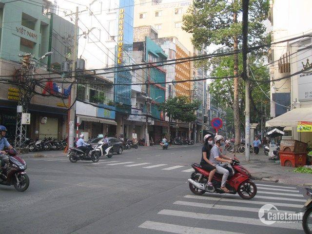 Bán nhà 133 mặt tiền Trần Đình Xu, p. Nguyễn Cư Trinh, Q.1, DT 4x18m, 1 trệt, 4 lầu đúc, cho bmart thuê 90tr/th