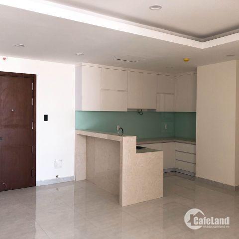 Hiện tại Remax Plaza đang rao bán 7 căn hộ 94m2 với view đẹp bao gồm 2 phòng ngủ, 2 nhà vệ sinh và 1 phòng khách.