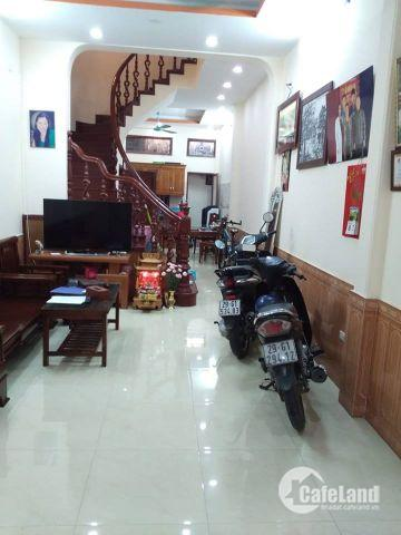 Bán nhà ngõ phố Vương Thừa Vũ, ô tô đỗ cách nhà 15m, 5.5 tỷ