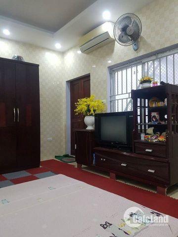 Bán nhà lô góc 2 mặt thoáng Nguyễn Trãi, S45m2, 4T, giá 4,4 tỷ.