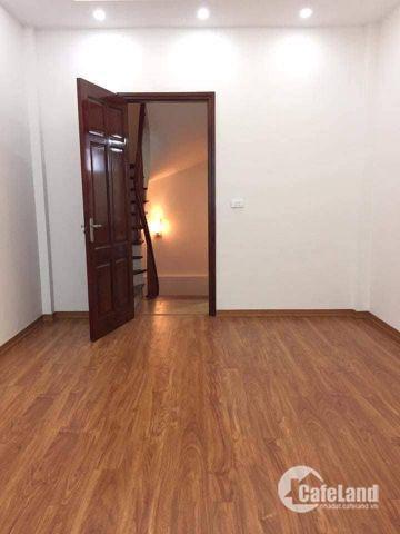 Tôi cần bán nhà riêng ở Khương Đình, rất mới, 43m2, 4 tầng, 3.5 tỷ