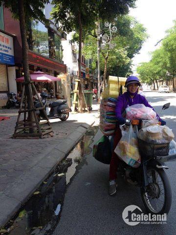 Cho thuê nhà 2 mặt phố Nguyễn Thái Học, Ba Đình,35 triệu