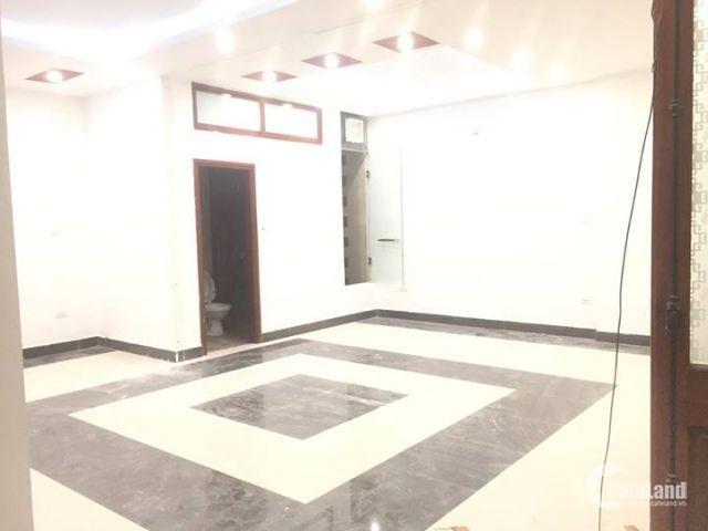 Chính chủ cho thuê văn phòng, mbkd tầng 2 dt 45m2 tại đường cầu giấy.