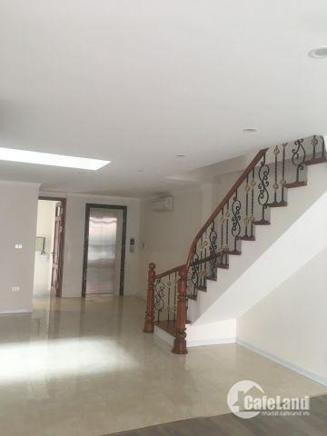Cho thuê gấp văn phòng mặt phố 68 Nam Đồng, hồ Xã Đàn60m2,giá 10tr