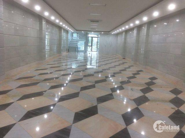 Sàn thương mại được ốp đá cực kỳ sang trọng tại tòa Building 47 Nguyễn Xiển.