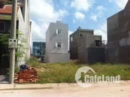 Định cư nước ngoài bán gấp lô đất MT NTT, shr, giá 779tr 120m2