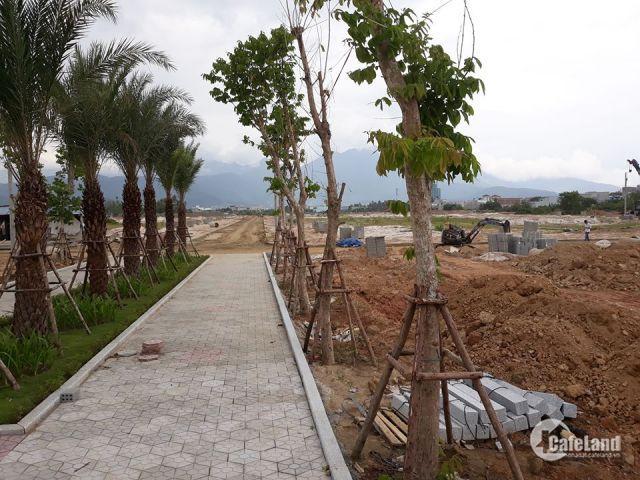 Cần bán nhanh lô đất khu Tây Bắc Đà Nẵng đường 5,5m, gần ngã tư, đất sạch không kẹp cống