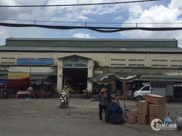 Đất Quận 9, mặt tiền đường Trường Lưu, gần chợ, trường học dân cư đông đúc.