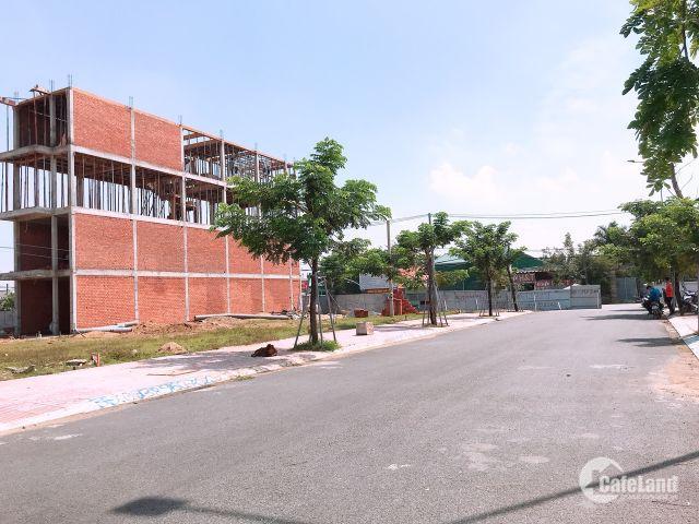Kẹt tiền cần bán gấp lô đất ngay chợ Long Trường, Quận 9, Sổ riêng từng nền, thổ cư 100%. LH: 0939.084.484
