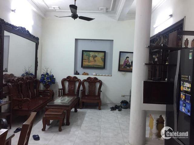 Bán Nhà Ở tại Phố Phó Đức Chính,Ba đình.Vị trí tuyệt vời cho 1 ngôi nhà để ở hoặc kinh doanh homestay.