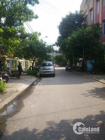 Nhà mặt tiền đường Nguyễn Quý Đức, Cẩm lệ dt 100m2